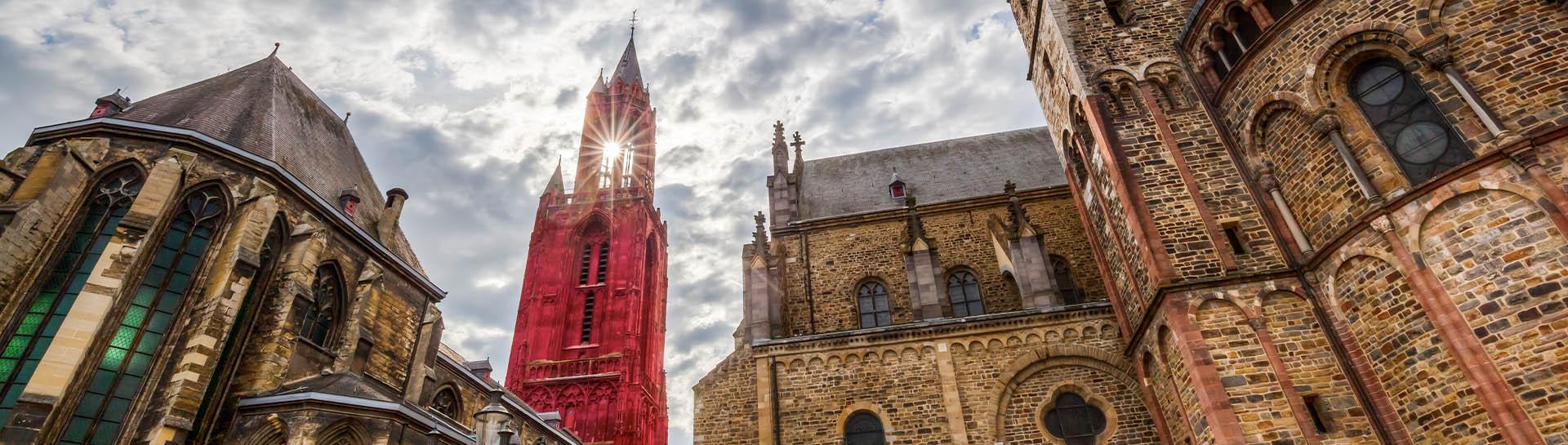 De Sint Servaasbasiliek en de Sint Janskerk in Maastricht