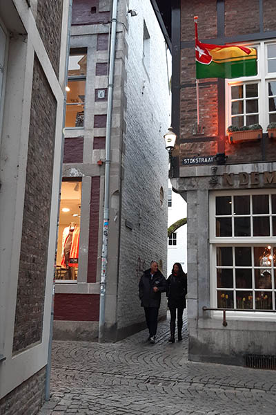 Pittoreske straatjes in het Stokstraatkwartier in Maastricht